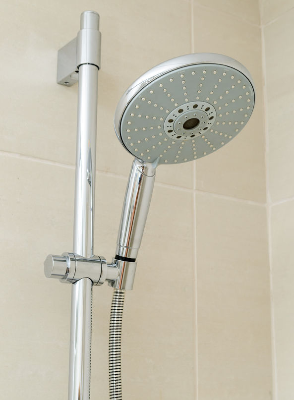 Tustin CA Plumber installed shower head